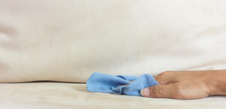 Как почистить диван от мочи ребенка: удалить пятна, вывести запах